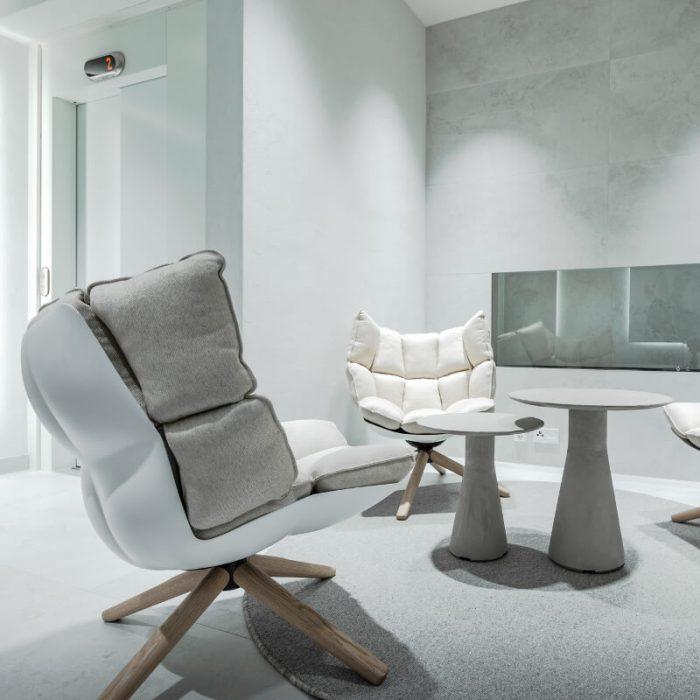 marmorino-ks-sisustuslaasti-kalkkilaasti-hotelli-aula-julkitila