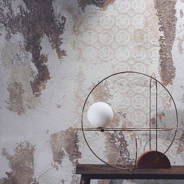 novacolor-calcecruda-sisustuslaasti-savilaasti-kalkkilaasti-valkoinen-ruskea-sabluuna-pitsikuvio.jpg