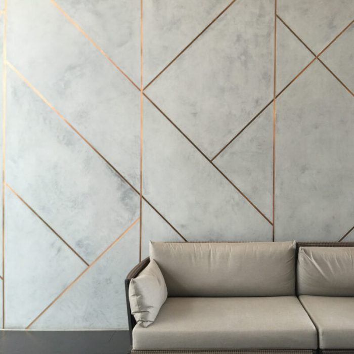 novacolor-novacolor-minerals-marmur-sisustuslaasti-kalkkilaasti-hotelli-sohva-julkitila